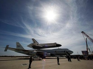 Photos: Shuttle Endeavour Comes Home