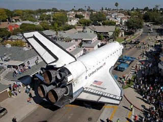 Photos: Endeavour Cruises Toward Final Home