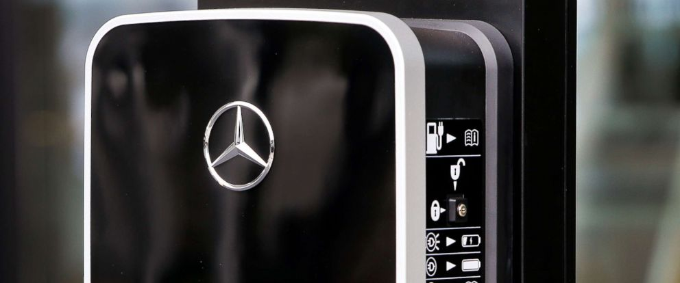Mercedes Benz To Invest Billion In Alabama Add Jobs Abc News