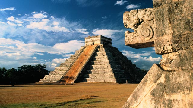 PHOTO: Mayan ruins at Chichen Itza