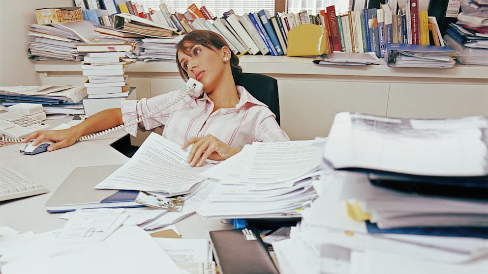 What a Messy Desk Says About You - The New York Times
