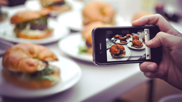 Restaurants placing informal ban on food flash photography - Cuisine flash but ...