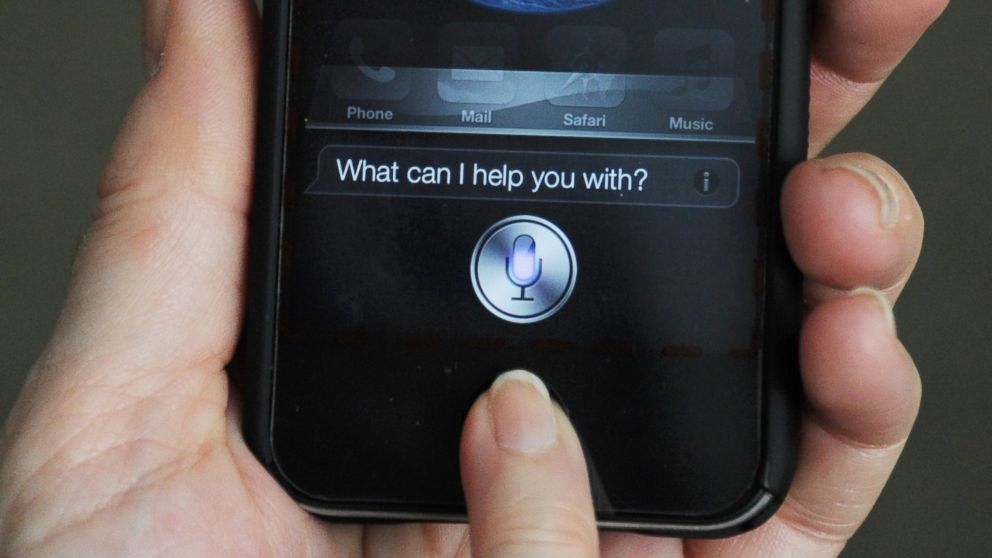 PHOTO: A woman uses Siri on an iPhone, March 13, 2012 in Washington, DC.