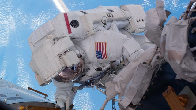 PHOTO: Expedition 28 flight engineer does repairs on the International Space Station during a planned six-and-a-half-hour spacewalk in this July 12, 2011 file photo in space.