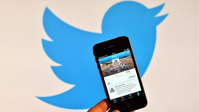PHOTO: In Dec. 2012 Twitter began allowing users to see their old tweets.