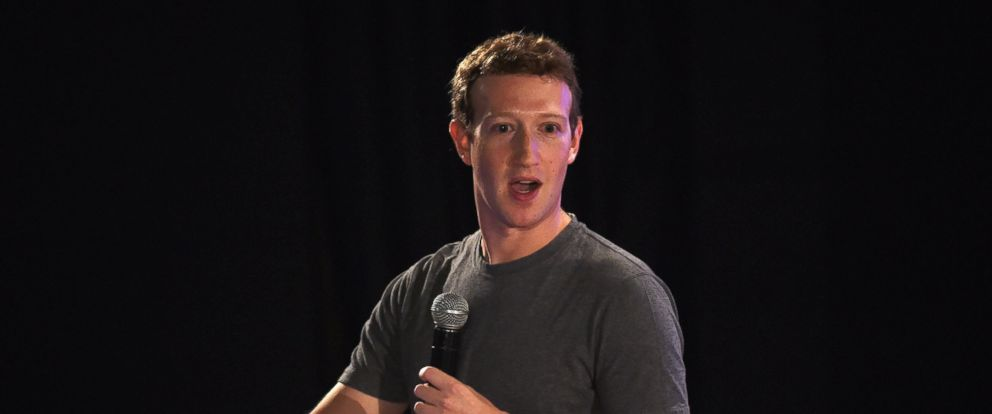 PHOTO: Facebook chief executive and founder Mark Zuckerberg speaks during a town-hall meeting at the Indian Institute of Technology (IIT) in New Delhi on Oct. 28, 2015.