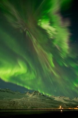 Major Solar Flare Erupts