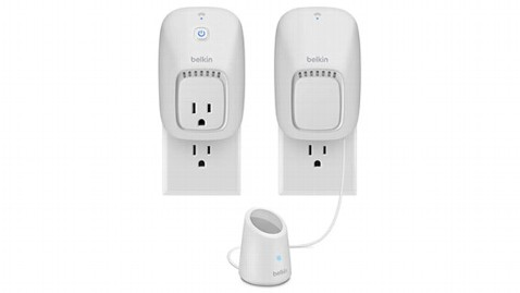ht belkin wemo switch lpl 130612 wblog Fathers Day Gift Guide: Cool Tech Gifts for Dad