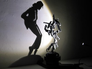 Artist Turns Trash Into Michael Jackson