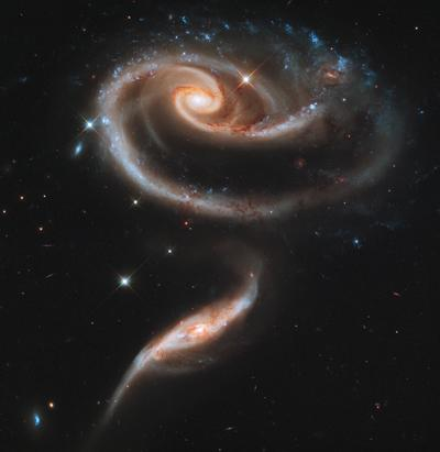 Dancing Galaxies in Stunning Hubble Picture