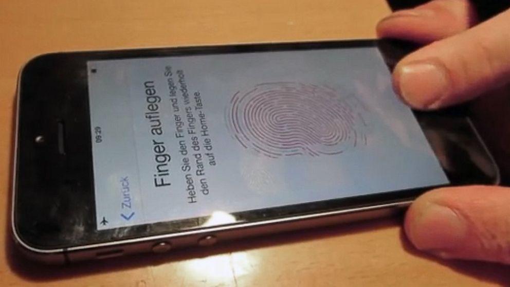 PHOTO: iPhone 5S fingerprint sensor