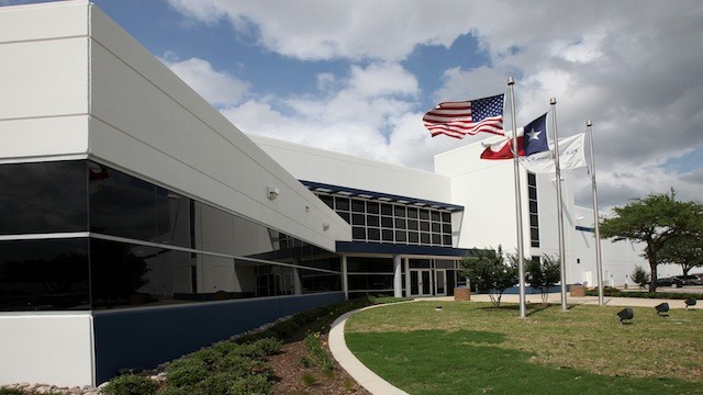 PHOTO: Motorolas Fort Worth manufacturing facility.