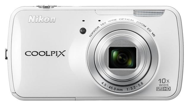 PHOTO: The NIkon Coolpix S800c camera