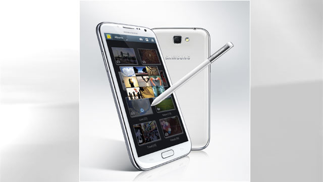 PHOTO: Samsungs Galaxy Note 2 has a built-in stylus and a large 5.5-inch display.