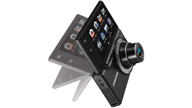 PHOTO: Samsungs MultiView MV800 camera is shown.