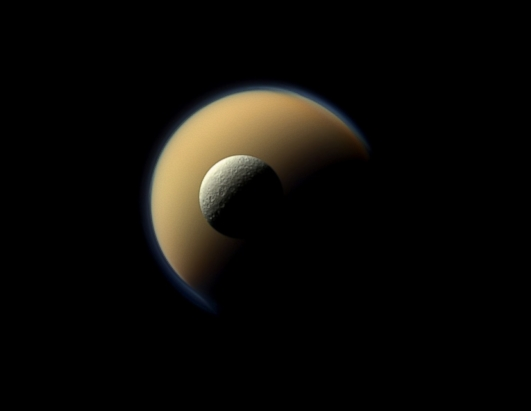 NASA Spacecraft Gives Amazing Look at Saturn's Moons