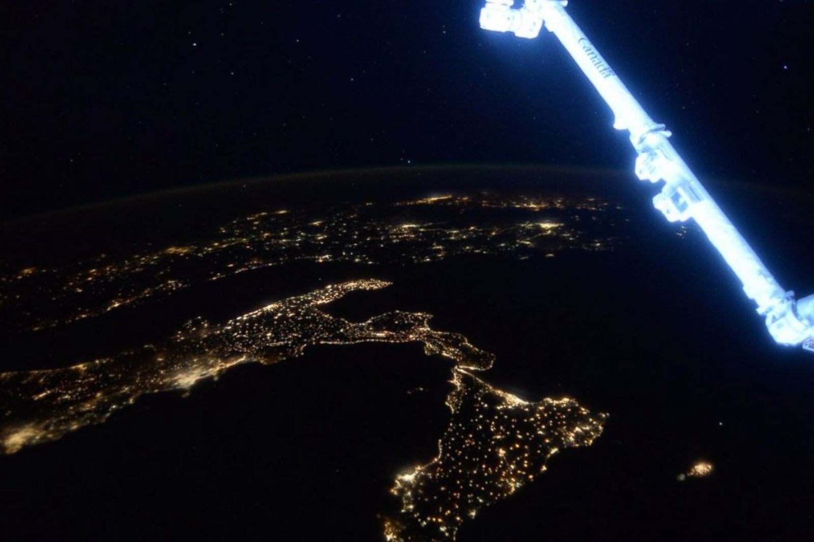 Picture Scott Kelly S Best Photos From His Year In Space