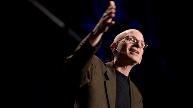 PHOTO:&nbsp;Seth Godin speaks at TED2009.