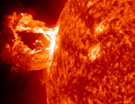 Amazing Hi-Def Coronal Mass Ejection