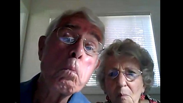 VIDEO: Bruce and Esther Huffmans computer troubles gain big online audience.