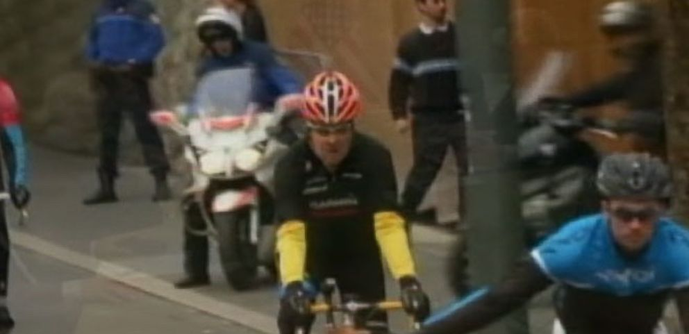 VIDEO: Sec. John Kerry Breaks Leg in Biking Accident