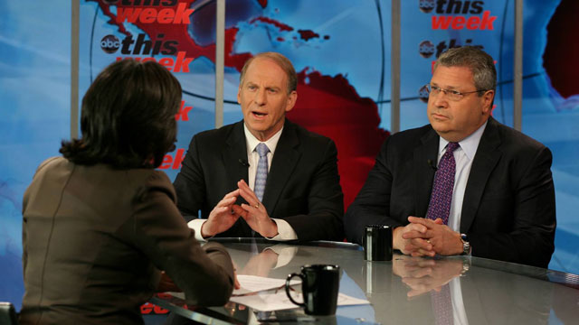 PHOTO: Roundtable: Foreign Affairs