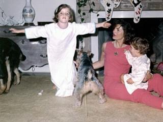 Jackie Kennedy-Onassis Ht_Kennedy_Xmas03_071221_mn