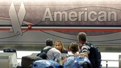 PHOTO: Passengers check in at the American Airlines counter at Miami International Airport in Miami, May 27, 2014.