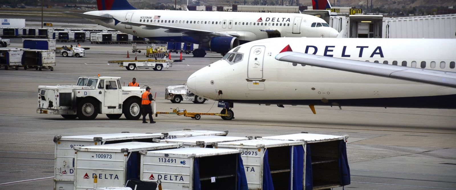 Can Delta flights be tracked online?
