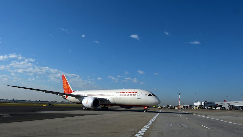 PHOTO: Air Indias Dreamliner taxis