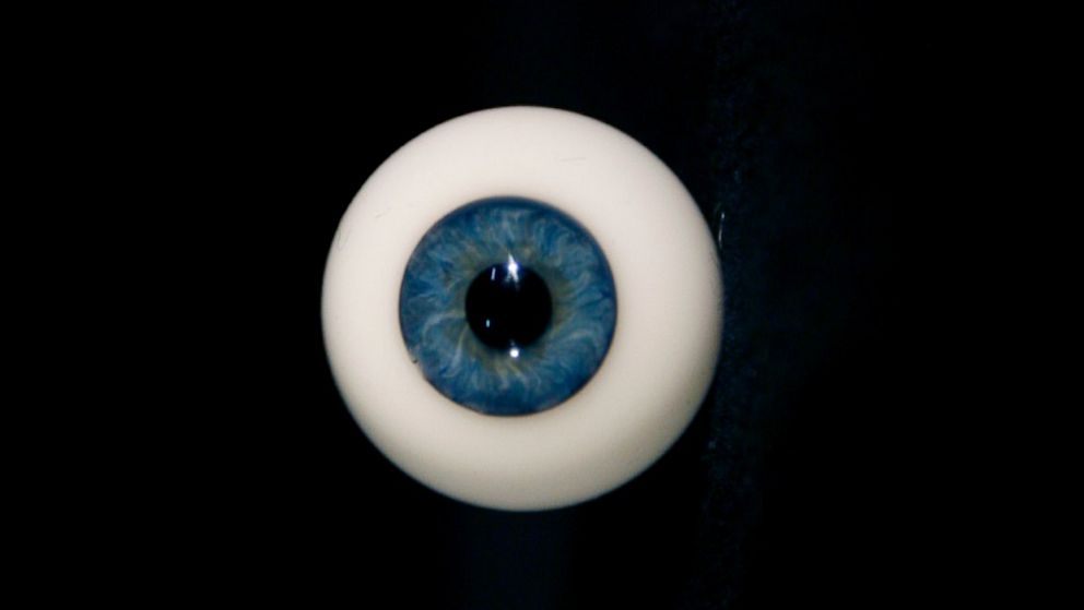 PHOTO: glass eye, travel