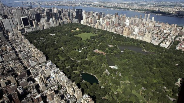PHOTO: An aerial view of Manhattan looking south over Central Park, July 1, 2007 in New York.