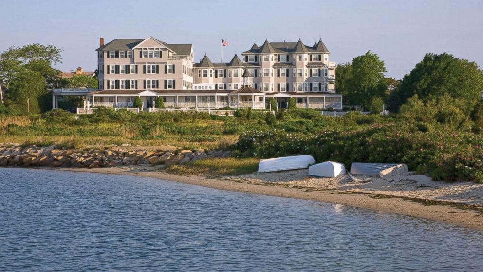 PHOTO: Captain???s Cottage Suites at Harbor View Hotel on Martha???s Vineyard
