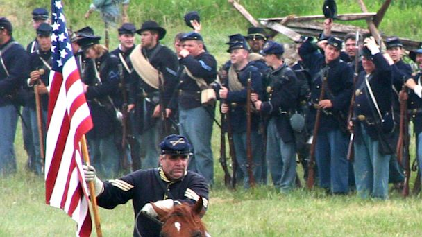 PHOTO: Reenacting the Battle of Gettysburg.
