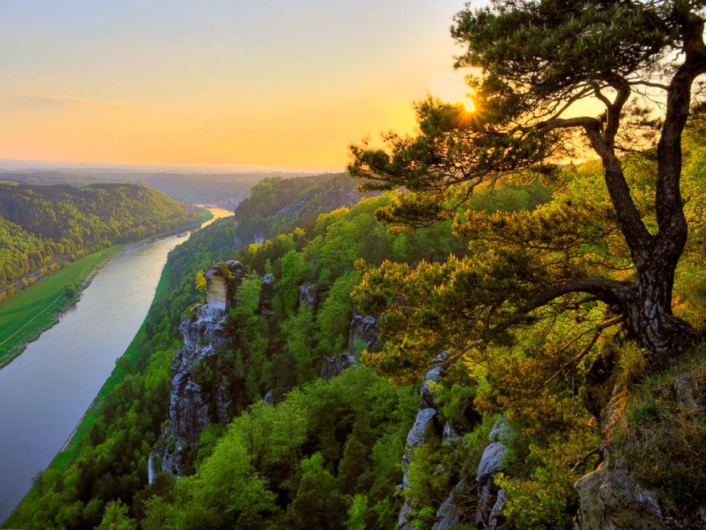 PHOTO: Elbe River in Saxon, Switzerland