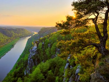 PHOTO: Elbe River in Saxon, Switzerland