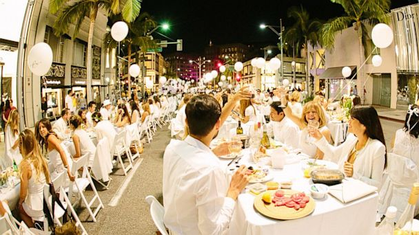 "PHOTO: ""Diner en Blanc"" Paris and worldwide"