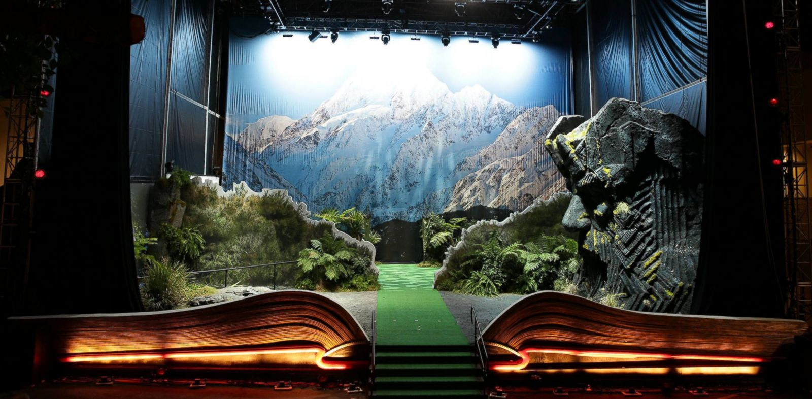 PHOTO: The giant pop-up book of New Zealand, located in Los Angeles.