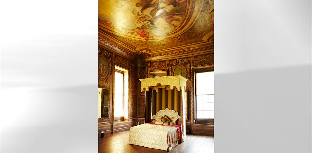 PHOTO: Savoirs Royal Bed costs $175,000 and takes 700 hours of labor.