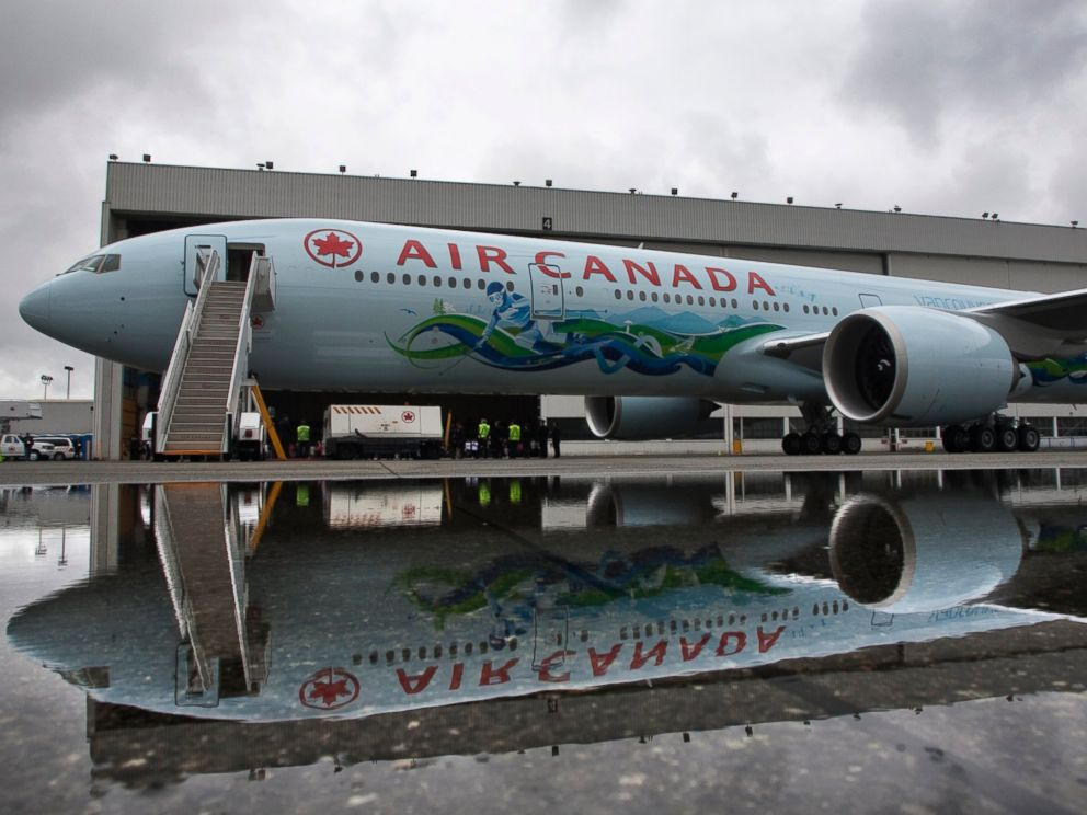 PHOTO: An Air Canada Boeing 777 painted in a 2010 Winter Olympic Games motive is unveiled in Vancouver, July 8, 2009.
