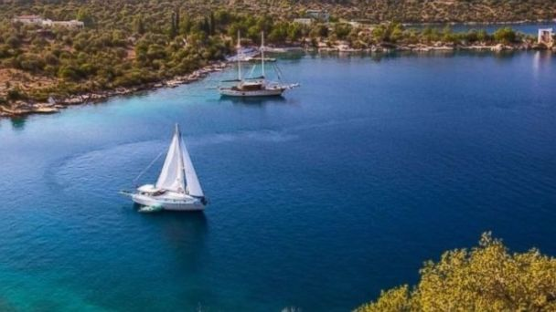 PHOTO: Charter a fully crewed yacht in Turkey