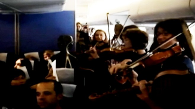 VIDEO: The string musicians of Amsterdam Sinfonietta play an impromptu Mozart concert.