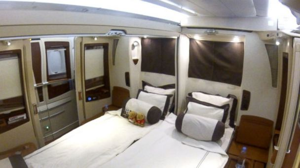 abc airline suite mt 141009 16x9 608 Ultra Luxury Travel: Inside Singapore Airlines Private Suites