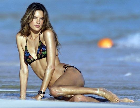 Celebs Love St. Barts Alessandra Ambrosio 