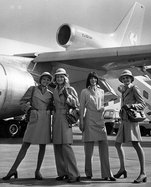 gty 1973 flight attendants lpl 130807 wblog 13 Fantastic Flashback Flight Attendant Fashions