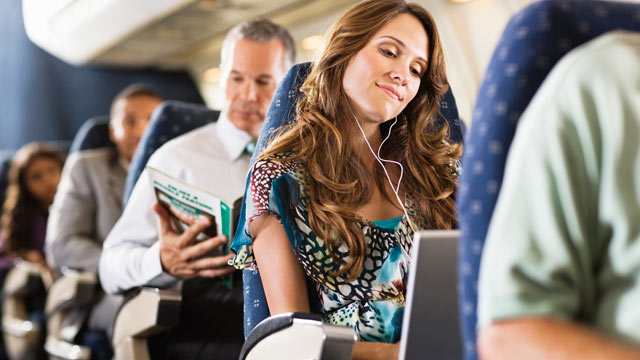 PHOTO: A recent survey showed how people prefer to act during airline etiquette situations.