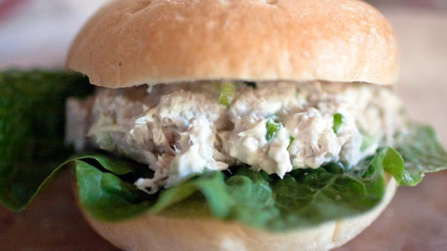 PHOTO: Here are some foods you shouldn't take on an airplane, including a tuna fish sandwich.
