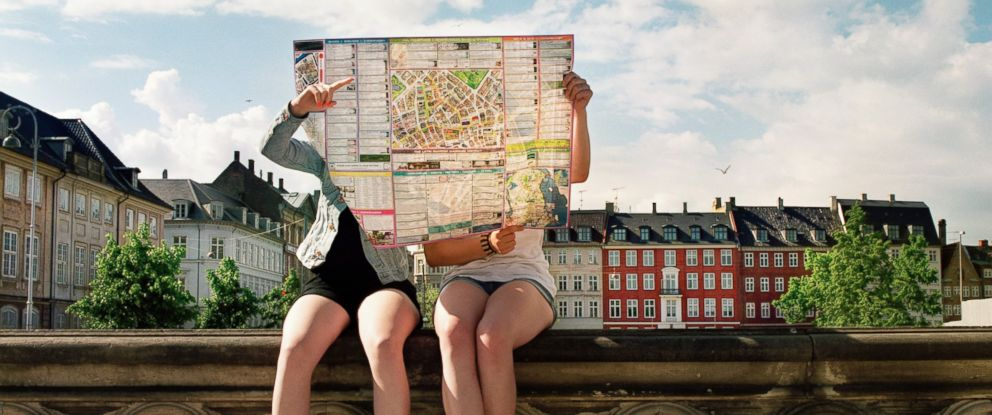 PHOTO:Tourist are seen looking at a map in this undated file photo.