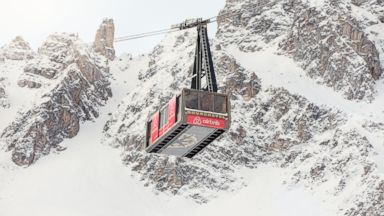 PHOTO: Airbnb will turn a cable car in the French Alps into a hotel room for one night only.