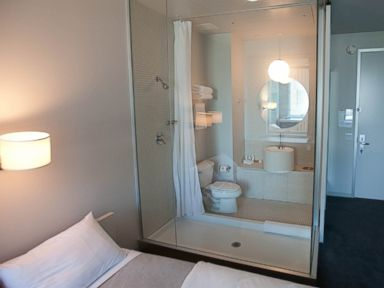 10 Sexiest See-Through Hotel Bathrooms